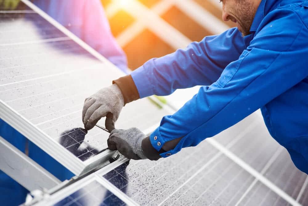 zonnepanelen plaatsen in 2019 met Advenso
